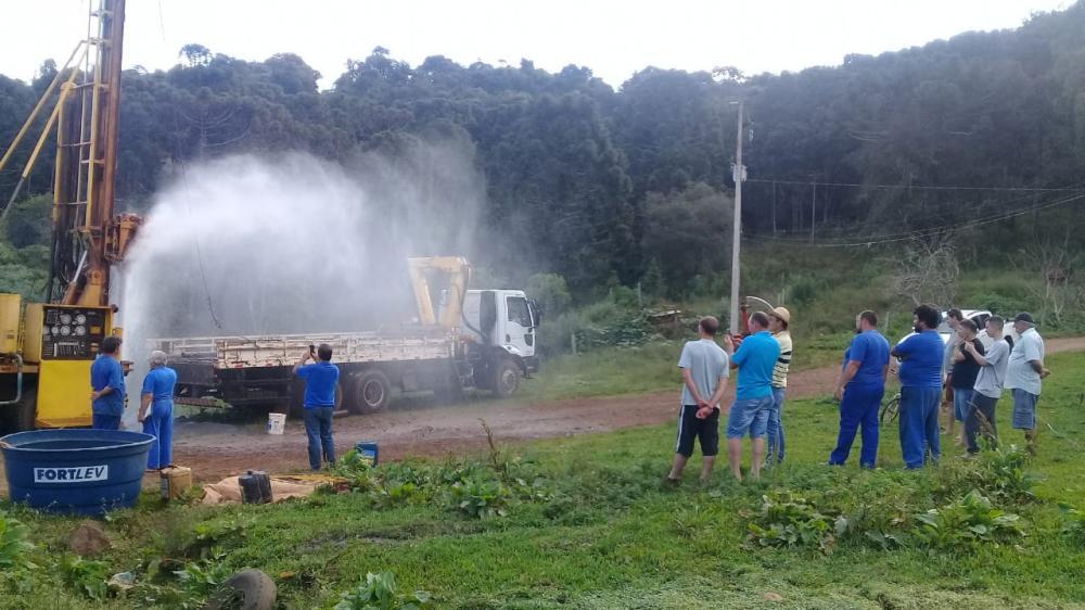 Perfuração de poços muda a realidade de pequenos agricultores