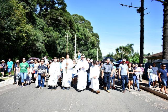Milhares de devotos participam da 139ª Festa de Nossa Senhora das Brotas