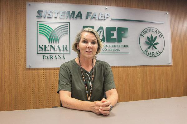Débora foi apresentada oficialmente à equipe pelo presidente do Sistema FAEP/SENAR-PR, Ágide Meneguette, na manhã desta terça-feira (4).
