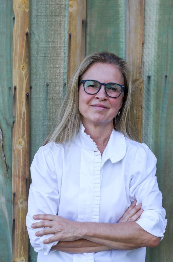 Teresa Vendramini é produtora rural, com fazendas de gado no interior paulista e sul-mato-grossense. Na gestão de seu antecessor, Marcelo Vieira, ela foi diretora da entidade e responsável pela criação do departamento de pecuária.