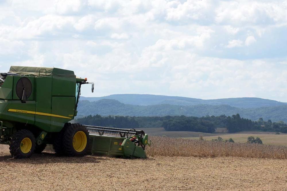 O SENAR-PR lançou edital para credenciar pessoas jurídicas para prestar serviços de instrutoria em curso de custo de produção de grãos.