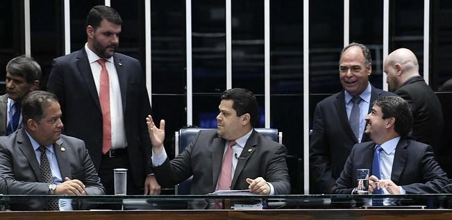 A medida vai ajudar a desburocratizar o acesso do produtor rural ao crédito e pode ampliar em R$ 5 bilhões as receitas de financiamento para o agronegócio no Brasil.