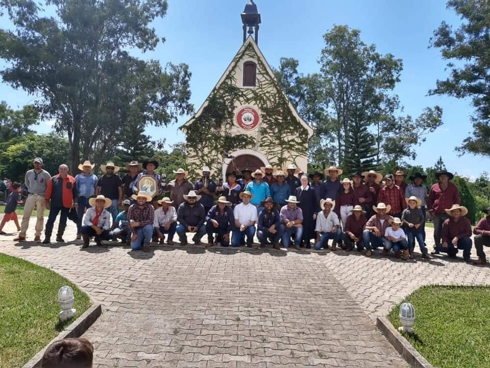 I Romaria Tropeira pela Rota do Rosário chega no no Santuário da Mãe Rainha em Jacarezinho
