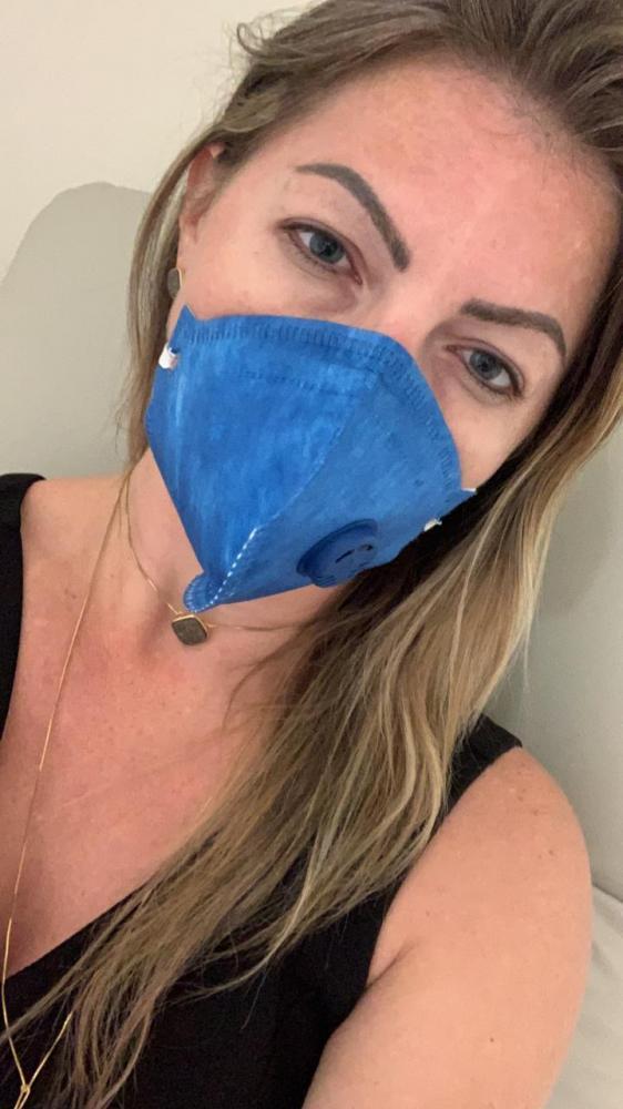Aline Sleutjes depois que saiu do hospital mandou mensagem no grupo de trabalho no watsapp para acalmar familiares, amigos e eleitores. Agora ela está em casa de repouso.