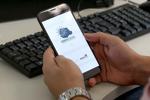 O app ajudará ainda na avaliação de sintomas da população local pois, além de dados cadastrais, contará com um questionário epidemiológico auto aplicável. As respostas vão ajudar o Estado na tomada de decisões no combate ao vírus.