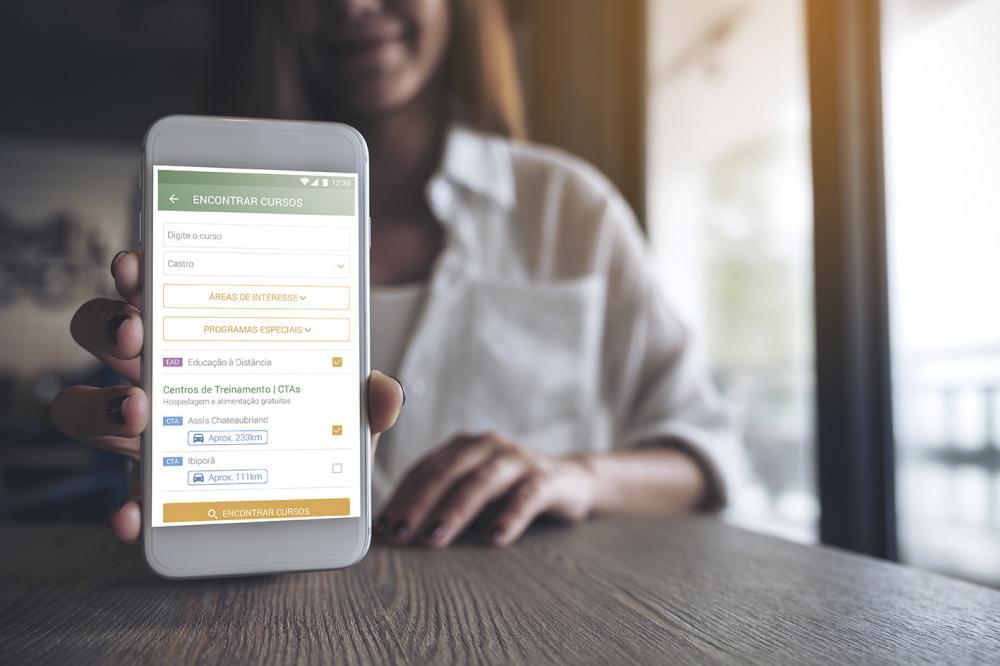 Desde seu lançamento, o aplicativo está disponível gratuitamente para smartphones que funcionam a partir do sistema Android e iOS.