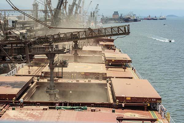 Portos do Paraná e setor produtivo debatem a logística do Estado