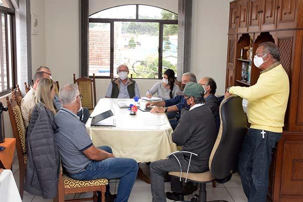 Sindicato Rural de Castro discutiu a Devolução aos Produtores das diferenças do Plano Collor na correção dos financiamentos rurais.